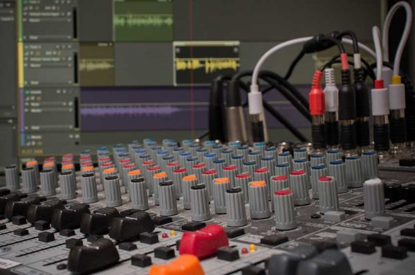 تعمیرات-میکسر-صدا