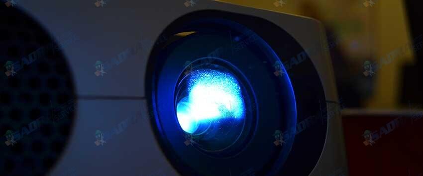 نحوه-تمیز-کردن-لنز-ویدئو-پروژکتور